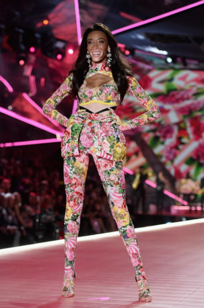 NEW YORK, NEW YORK - NOVEMBER 08: Winnie Harlow walks the runway during the 2018 Victoria's Secret Fashion Show at Pier 94 on November 08, 2018 in New York City. (Photo by Noam Galai/Getty Images)
