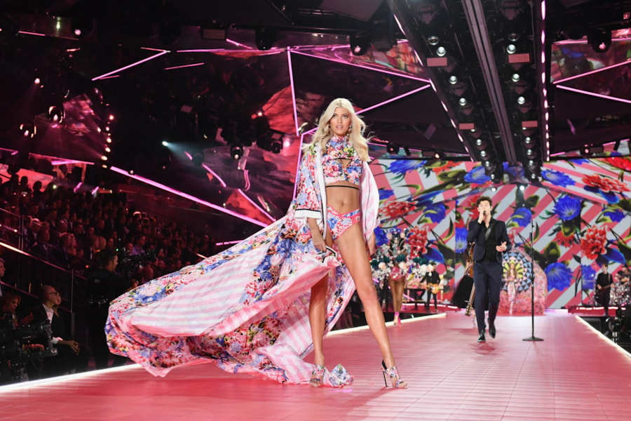 NEW YORK, NEW YORK - NOVEMBER 08: Devon Windsor walks the runway during the 2018 Victoria's Secret Fashion Show at Pier 94 on November 08, 2018 in New York City. (Photo by Noam Galai/Getty Images)