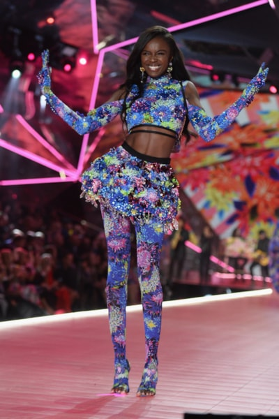NEW YORK, NEW YORK - NOVEMBER 08: Leomie Anderson walks the runway during the 2018 Victoria's Secret Fashion Show at Pier 94 on November 08, 2018 in New York City. (Photo by Noam Galai/Getty Images)