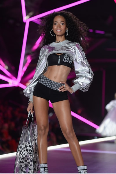 NEW YORK, NEW YORK - NOVEMBER 08: Iesha Hodges walks the runway during the 2018 Victoria's Secret Fashion Show at Pier 94 on November 08, 2018 in New York City. (Photo by Noam Galai/Getty Images)