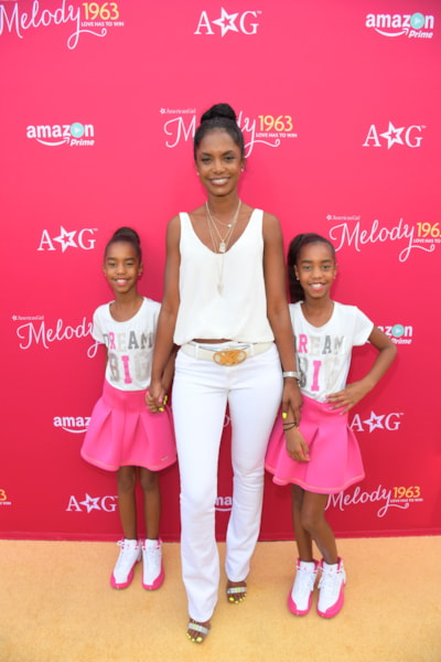 """LOS ANGELES, CA - OCTOBER 10:  Actress Kim Porter and Jessie Combs, left, and D'Lila Combs, right, attend the red carpet premiere screening of Amazon Original Special """"An American Girl Story - Melody 1963: Love Has To Win"""" on October 10, 2016 in Los Angeles, California.  (Photo by Charley Gallay/Getty Images for Amazon Studios)"""
