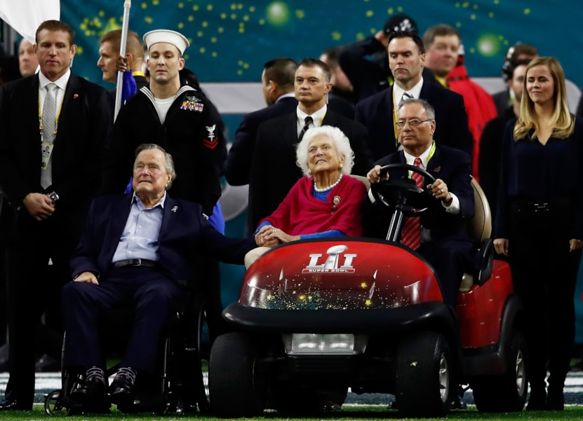 HOUSTON, TX - FEBRUARY 05:  Former US President George H. W. Bush and former First Lady Barbara Bush look on prior to Super Bowl 51 between the New England Patriots and the Atlanta Falcons at NRG Stadium on February 5, 2017 in Houston, Texas.  (Photo by Gregory Shamus/Getty Images)